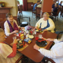 national-night-out-alzheimers-association-fundraiser-eagan-pointe-senior-living-group eating