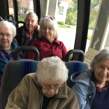 Fun-Fall-Leaves-Tour_Eagan_Pointe_Senior_Living