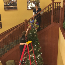 Holiday-Decorating-EaganPointeSeniorLiving (2)